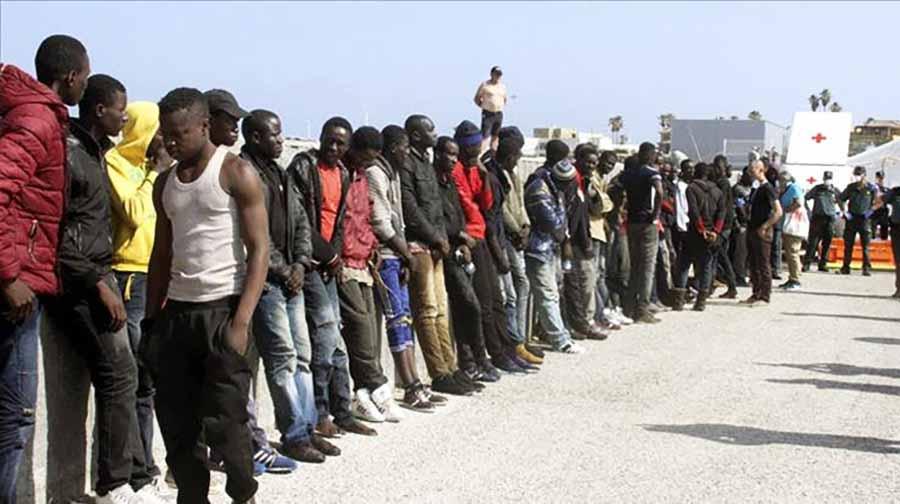 inmigrantes ilegales atendidos por la cruz roja
